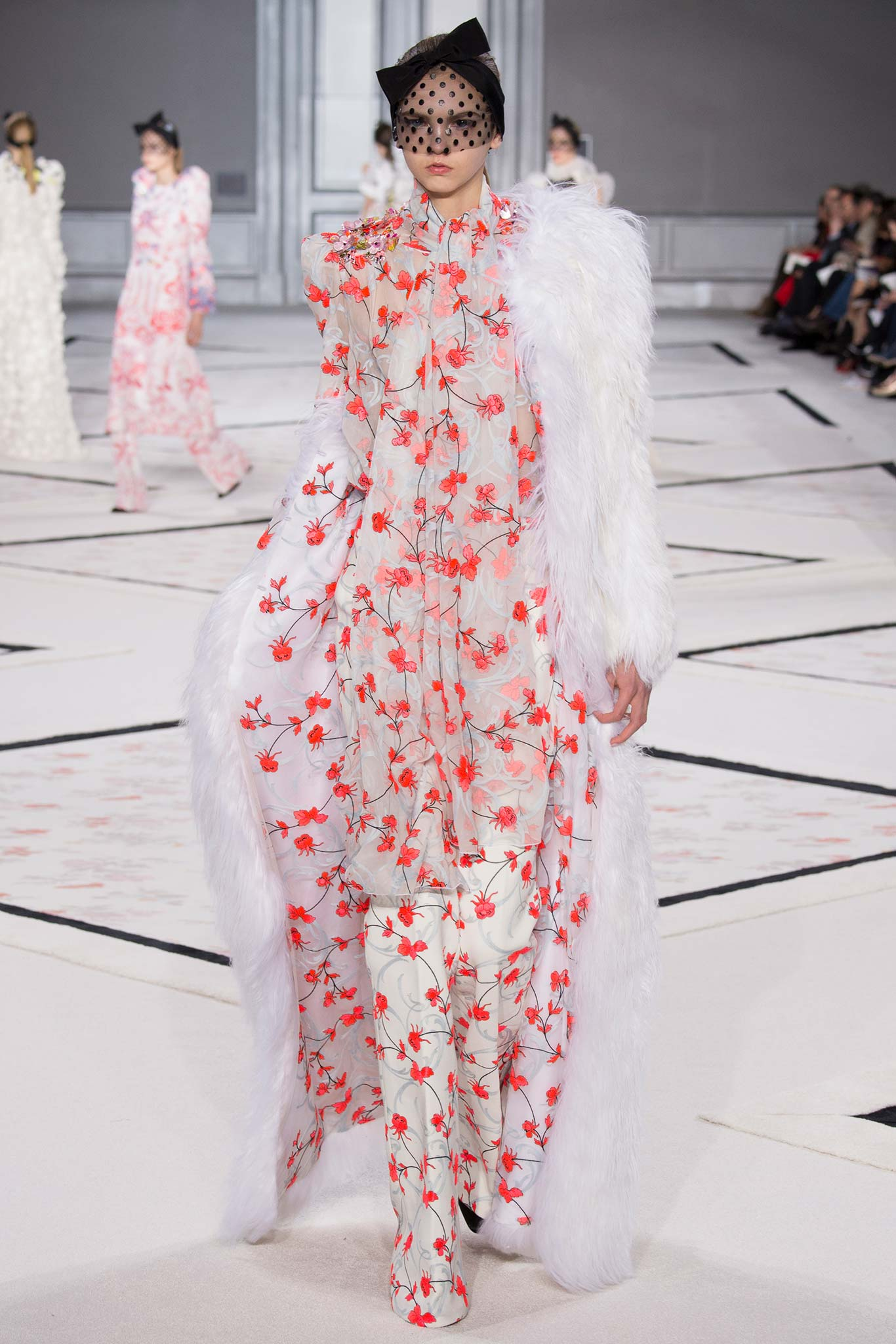 Giambattista Valli look 33