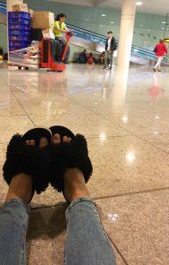 paula mangin chloe fur slides BCN airport 2